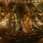 Чаша із зображенням скіфів. Срібло з позолотою. ІV ст. до Різдва Христового. Гаймонова Могила.