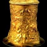 Золота ритуальна посудина (V ст. до н. е., Братолюбівський курган)