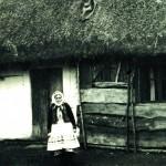 Катерина Кожухівська в типовому національному вбранні. Фото 1960 р.