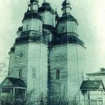 Покровська дерев'яна п'ятизрубна церква, побудована коштом Петра Кальнишевського у 1764 р. в м. Ромни. Фото 1909 р.